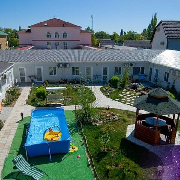 Территория Гостевой дом Риф 1