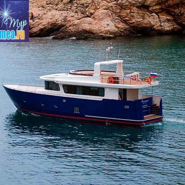 Моторная яхта Валентина фото 2